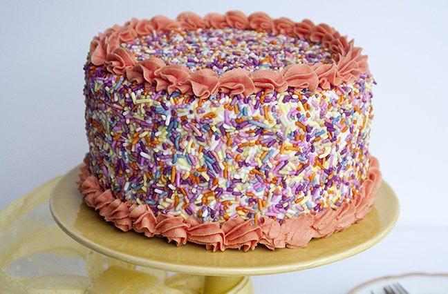 Use our popular INDIA TREE Nature's Colors Carnival Mix Sprinkles and your favorite cake recipe, together in this festive sprinkles cake. Excellent instructions for successfully decorating a sprinkles cake can be found at https://www.youtube.com/watch?v=Ic27PKXQxPo&feature=youtu.be