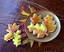 Decorate delicate autumn leave Sugar Cookies in jewel-like colors. Flood them with Royal Icing tinted with INDIA TREE Nature's Colors Decorating Colors and INDIA TREE Nature's Colors Decorating Sugars. Experiment with your own interesting color combinations. Let your fancy run free!