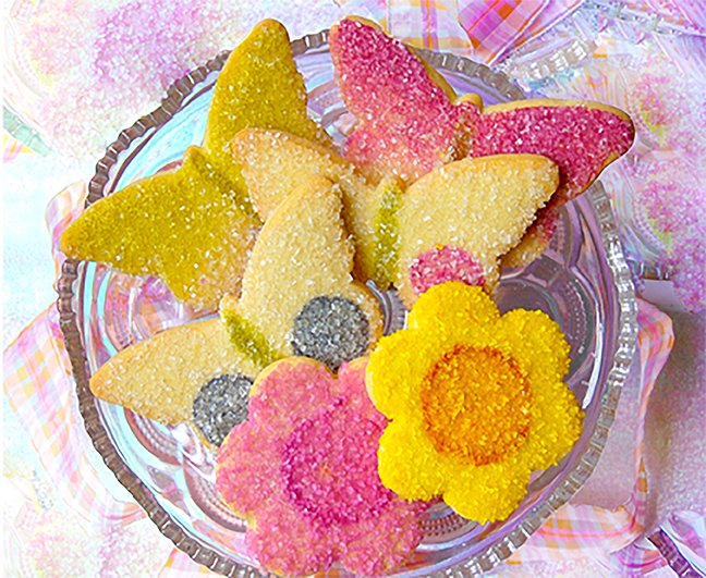 These gorgeous butterfly Sugar Cookies were created by Little Rae's Bakery using INDIA TREE Nature's Colors Decorating Colors and Sugars.