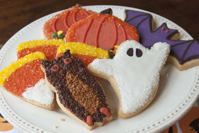 It's no trick, these beautiful Halloweentime cookies are a treat! Cut your favorite spooky shapes from our Shortbread Cookie Recipe. Tint Royal Icing with INDIA TREE Nature's Colors Decorating Colors to flood the cookies. Flock with INDIA TREE Sparkling Sugars and India Tree Chocolate Decoratifs.